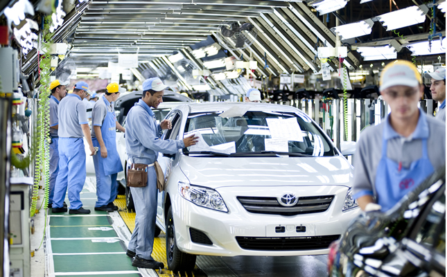 Imagem ilustrativa da notícia: Produção de veículos em quinta marcha