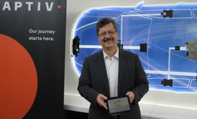 Imagem ilustrativa da notícia: Aptiv recebe placa do Prêmio AutoData
