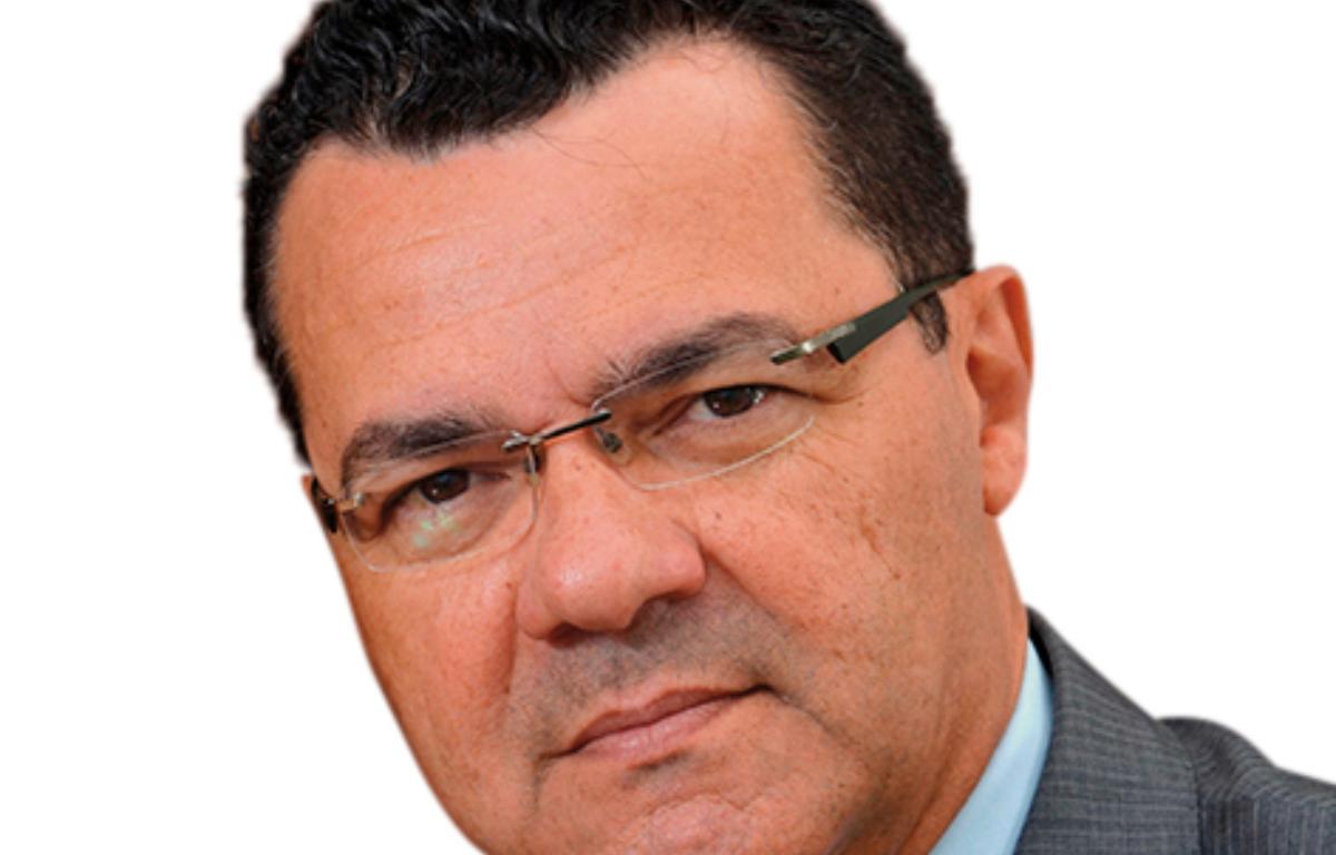 Imagem ilustrativa da notícia: Besaliel Botelho é reeleito presidente da AEA