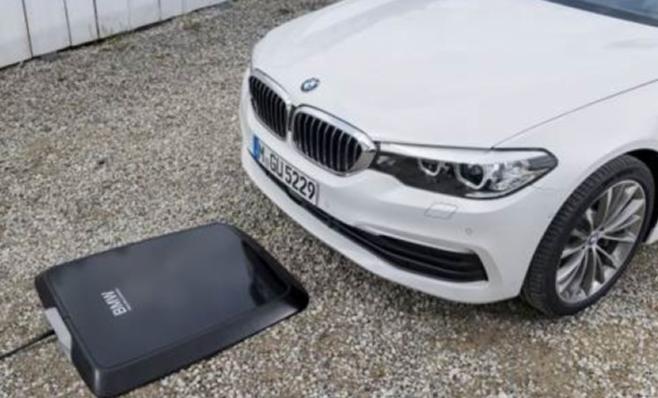 Imagem ilustrativa da notícia: Veículos híbridos BMW ganham carregador sem fio