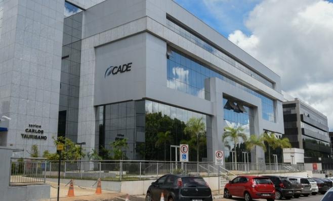 Imagem ilustrativa da notícia: Cade suspende julgamento de ação contra montadoras