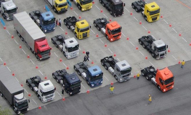 Imagem ilustrativa da notícia: Caminhões: setor projeta vendas 24% maiores em 2018.