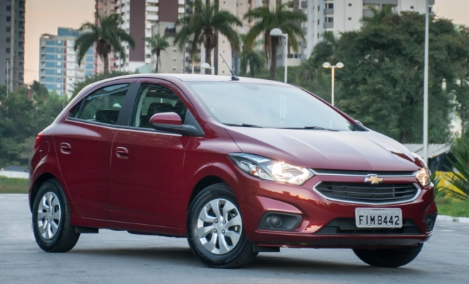 Imagem ilustrativa da notícia: Chevrolet Onix é líder com ampla vantagem.