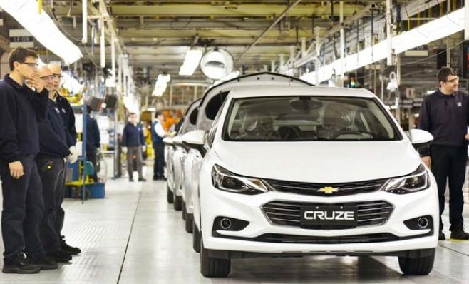 Imagem ilustrativa da notícia: GM fecha um turno de produção na Argentina