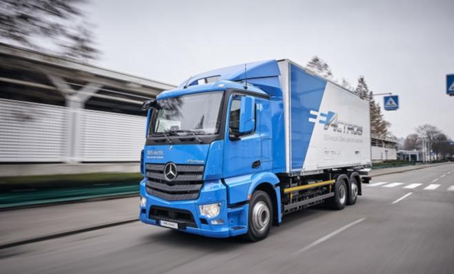 Imagem ilustrativa da notícia: eActros, caminhão elétrico M-Benz, entra em testes