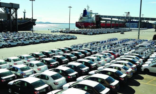 Imagem ilustrativa da notícia: Balança comercial registra alta de 11,9% nas exportações em fevereiro