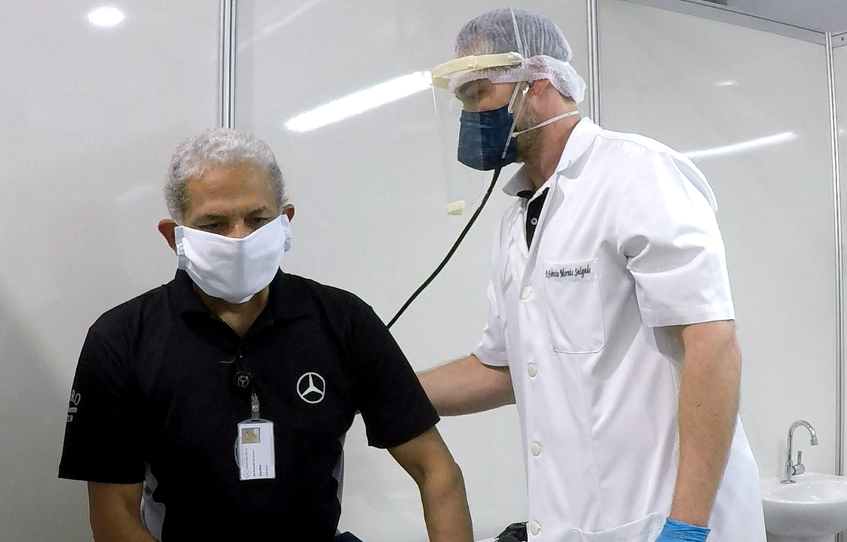Imagem ilustrativa da notícia: Fábrica da Mercedes-Benz tem ambulatório especial para covid-19