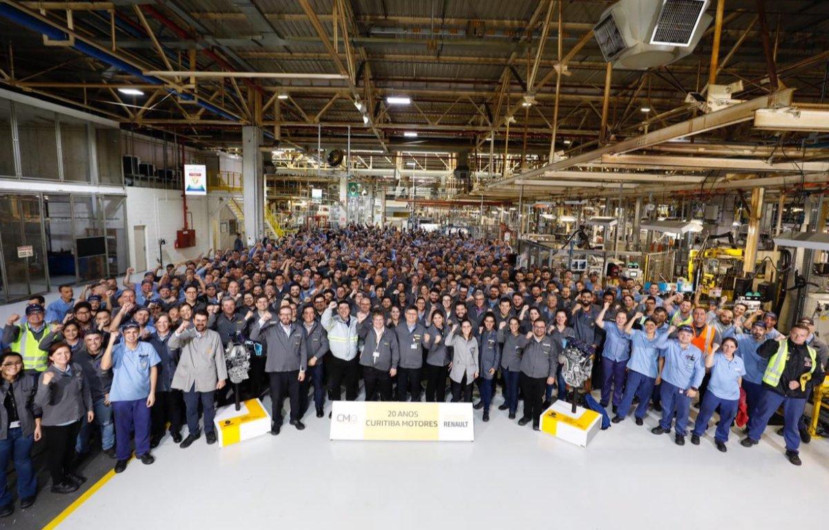 Imagem ilustrativa da notícia: Fábrica de motores Renault completa 20 anos