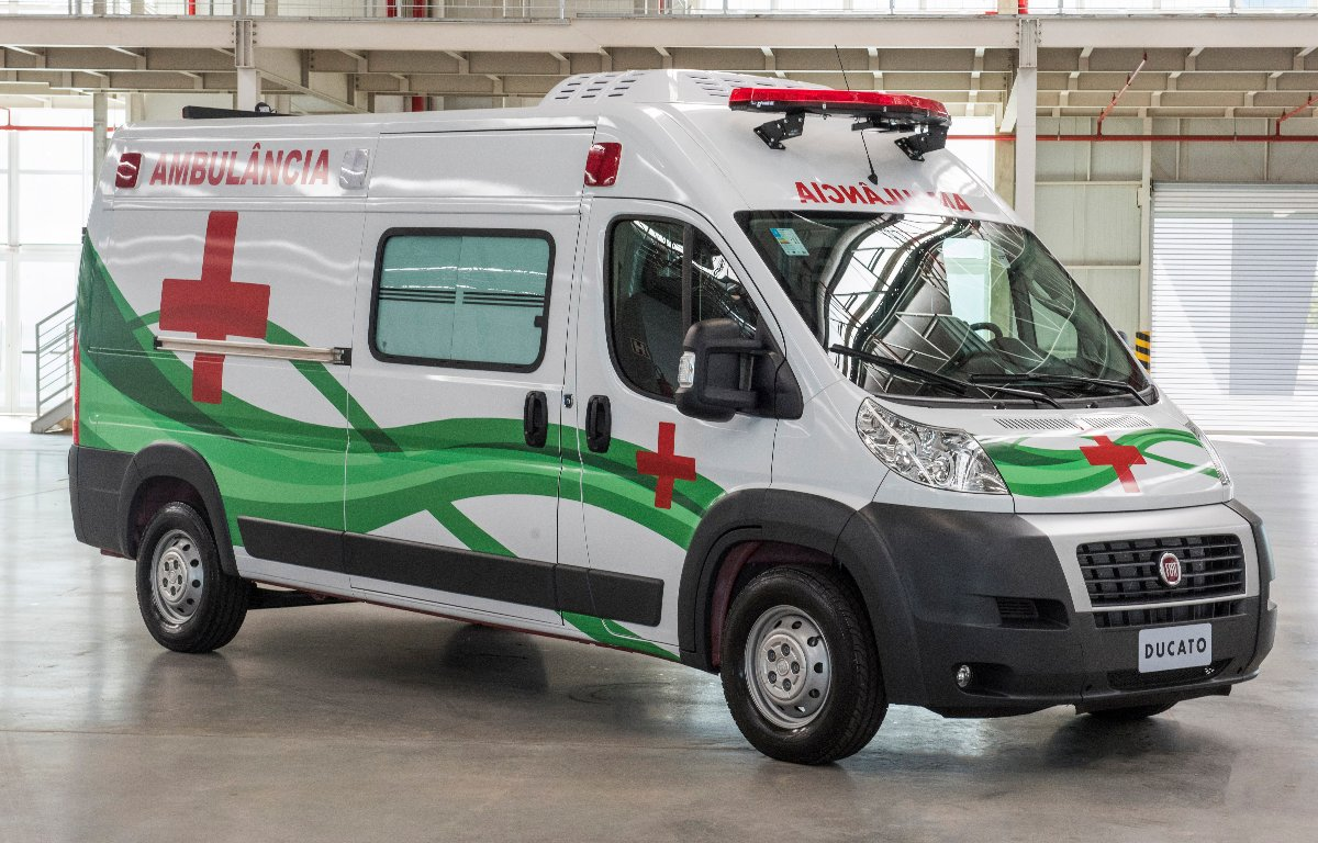 Imagem ilustrativa da notícia: FCA doa duas ambulâncias para ajudar no combate à pandemia