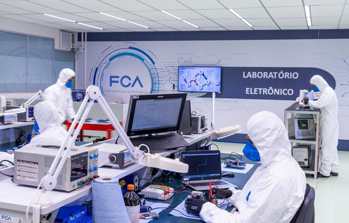 Imagem ilustrativa da notícia: Em Betim e Goiana, produção de veículos dá lugar ao combate à pandemia