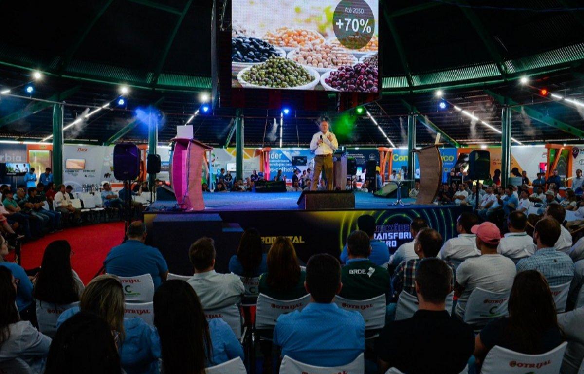 Imagem ilustrativa da notícia: Feira agrícola investe na promoção das tecnologias digitais