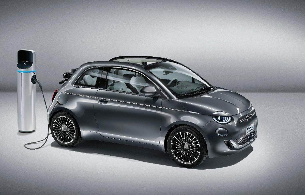Imagem ilustrativa da notícia: Fiat apresenta o 500 elétrico