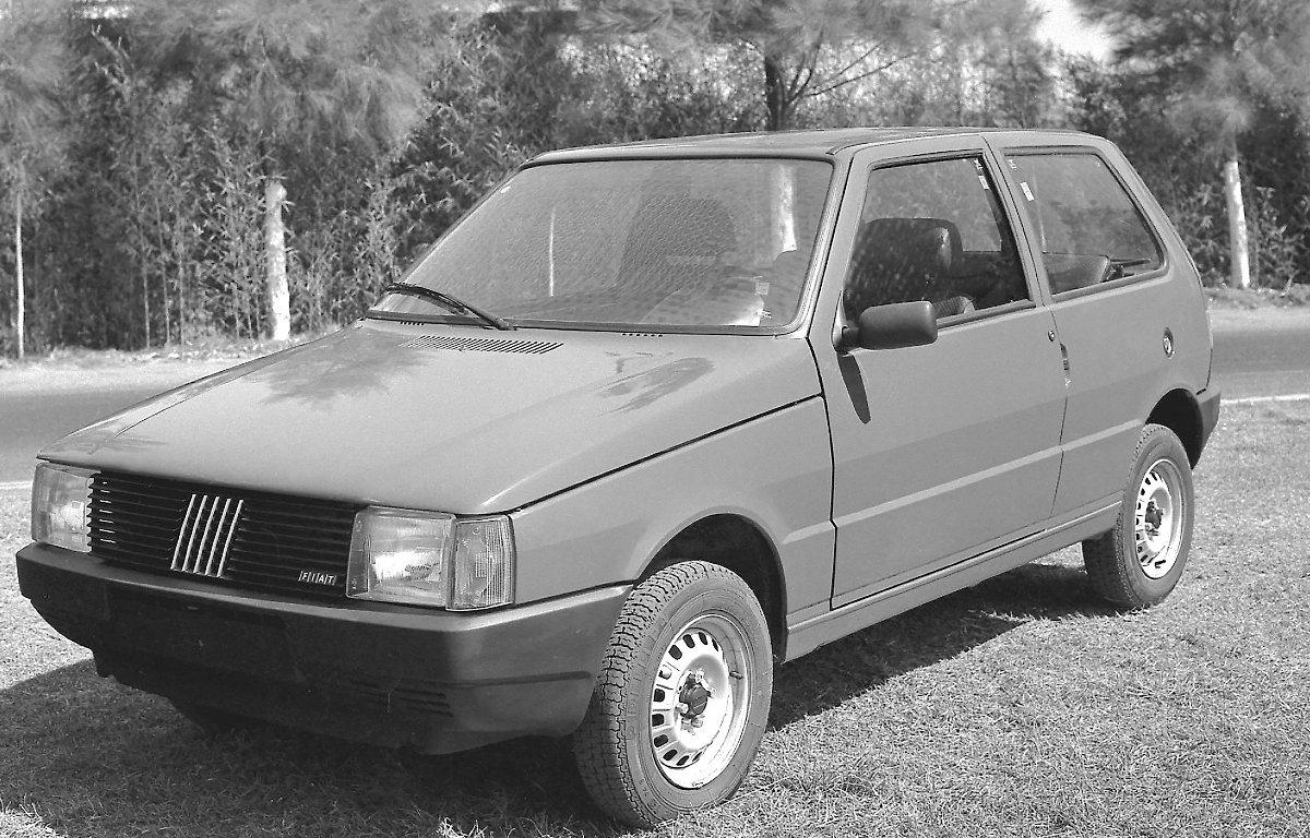 Imagem ilustrativa da notícia: Fiat Uno completa 35 anos de Brasil