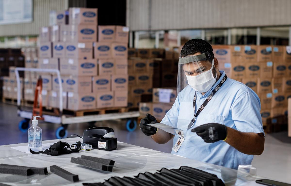 Imagem ilustrativa da notícia: Ford entrega 35 mil máscaras produzidas em Camaçari