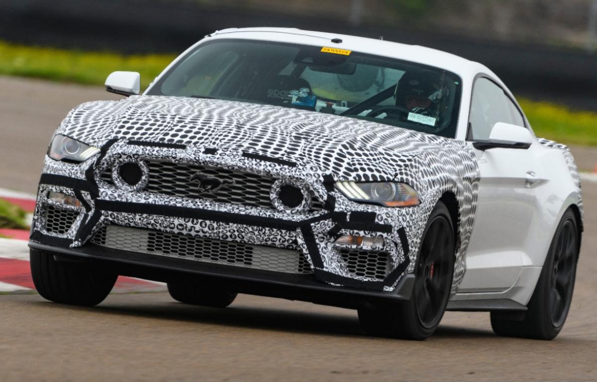 Imagem ilustrativa da notícia: Ford anuncia retorno do Mustang Mach 1
