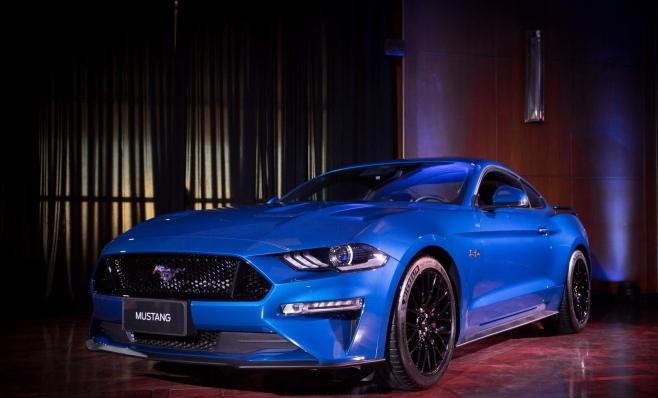 Imagem ilustrativa da notícia: Ford mostra o Mustang GT Premium