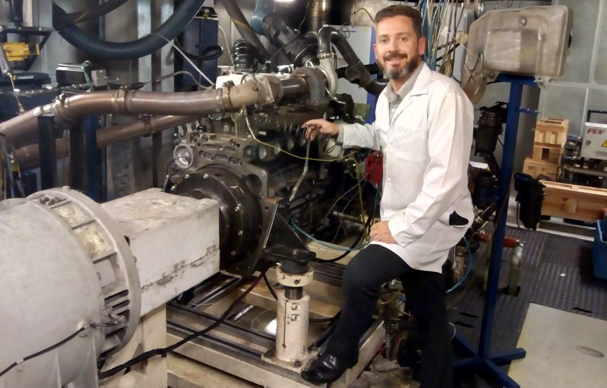 Imagem ilustrativa da notícia: FPT testa motor agrícola movido a biodiesel de macaúba