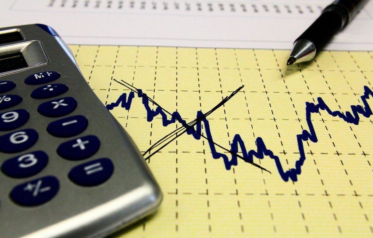 Imagem ilustrativa da notícia: Governo eleva projeções para PIB e inflação