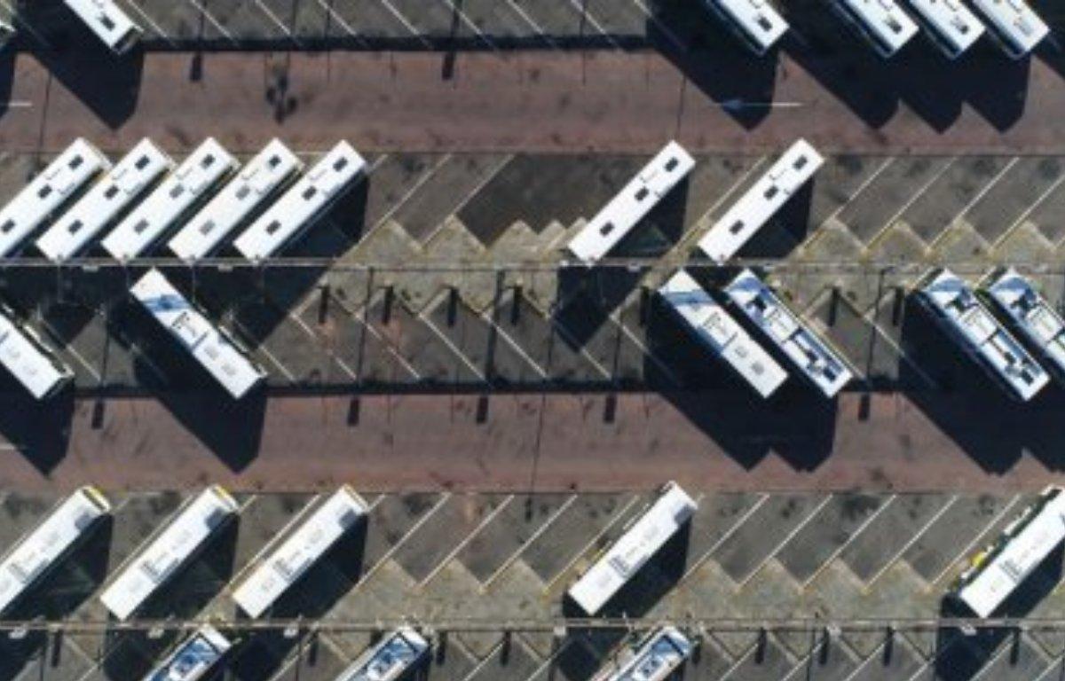 Imagem ilustrativa da notícia: Hitachi ABB lança sistema para carregar ônibus elétrico