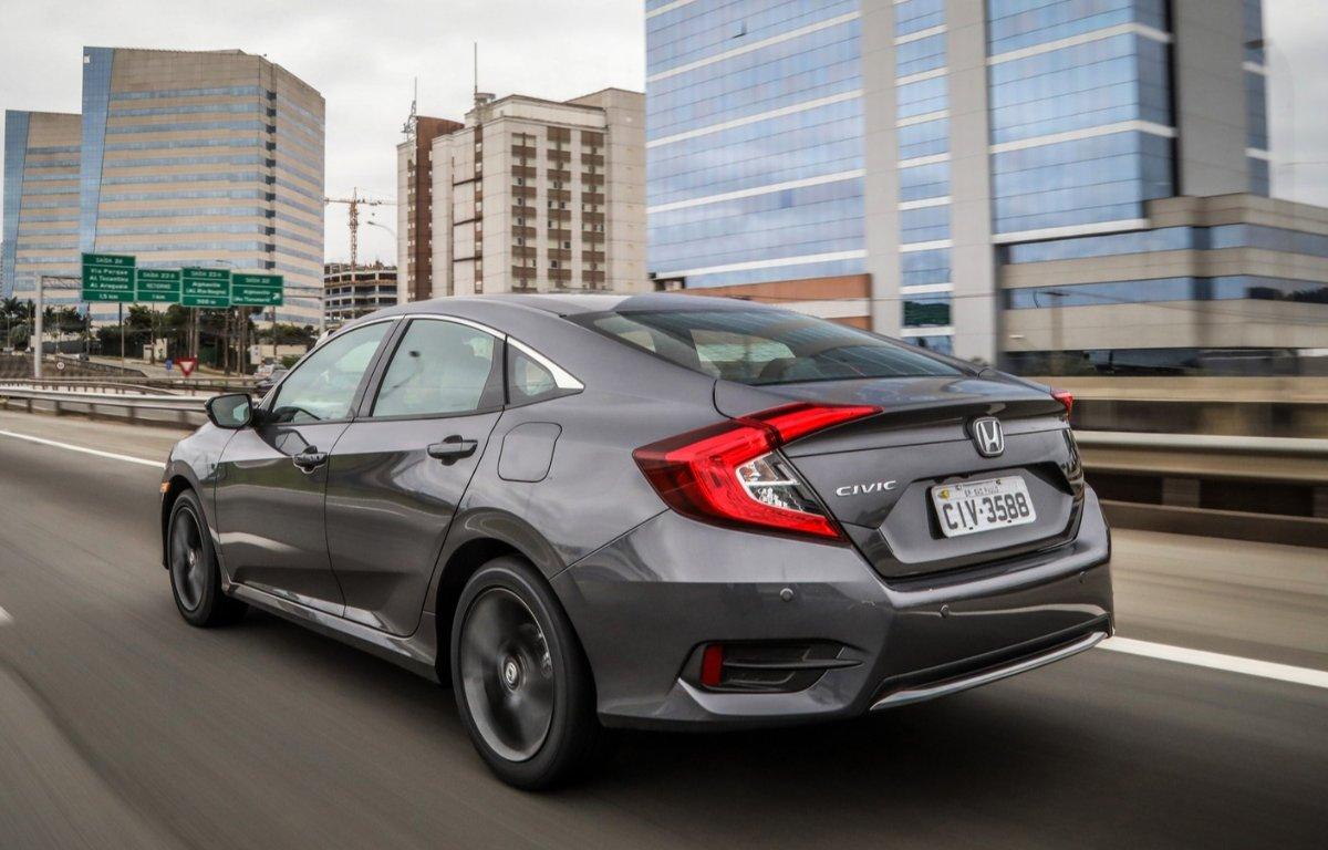 Imagem ilustrativa da notícia: Linha 2020 do Honda Civic tem nova versão de entrada