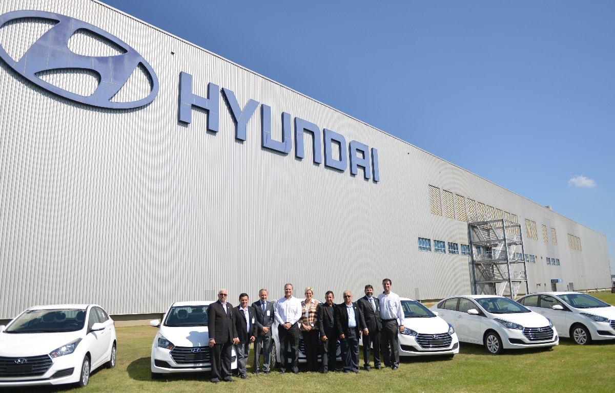 Imagem ilustrativa da notícia: Hyundai doa seis HB20S para Campanha Apae Noel