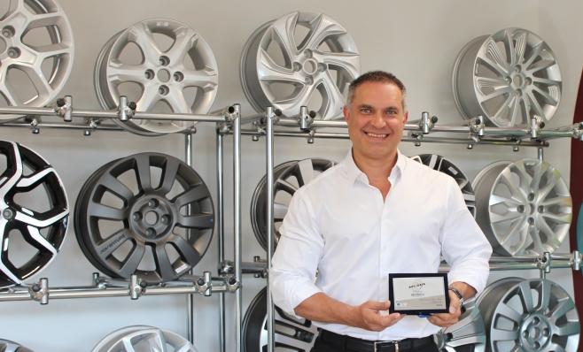 Imagem ilustrativa da notícia: NeoRodas recebe sua placa do Prêmio AutoData