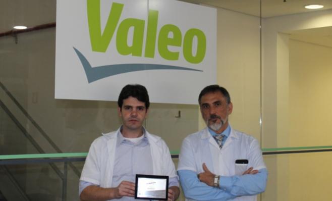 Imagem ilustrativa da notícia: Valeo recebe placa do Prêmio AutoData