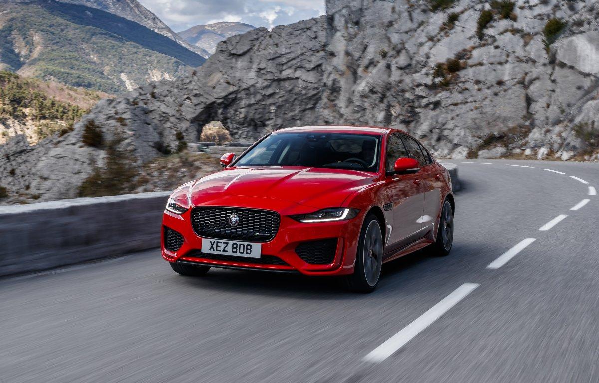 Imagem ilustrativa da notícia: Jaguar lança linha 2020 do XE no Brasil