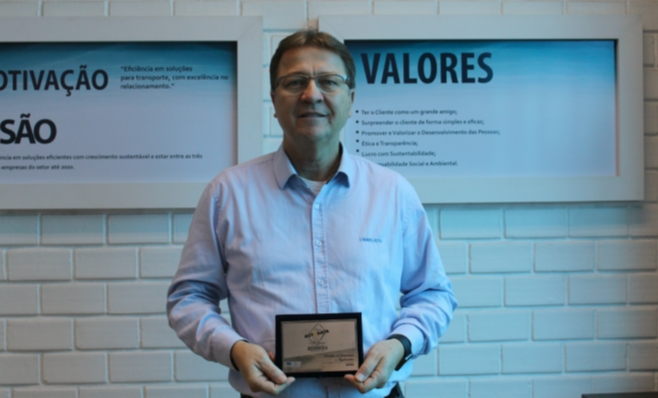 Imagem ilustrativa da notícia: Librelato recebe a placa do Prêmio AutoData