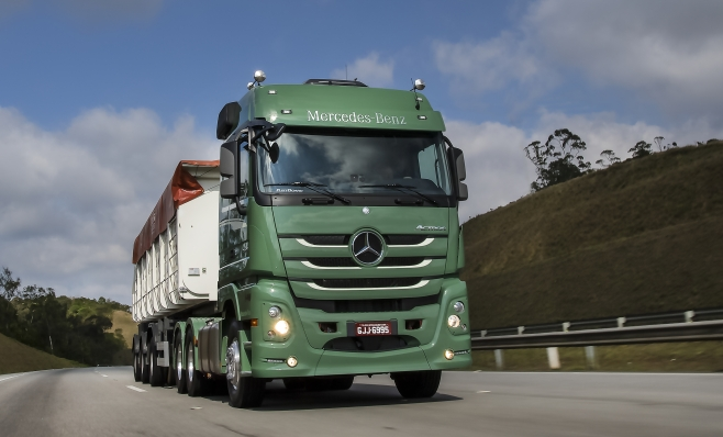 Imagem ilustrativa da notícia: Mercedes vende série especial no primeiro dia de Fenatran