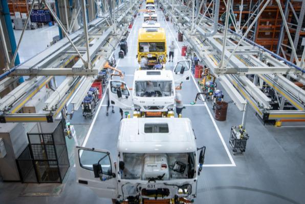 Imagem ilustrativa da notícia: M-B aplica Indústria 4.0 na montagem de cabines