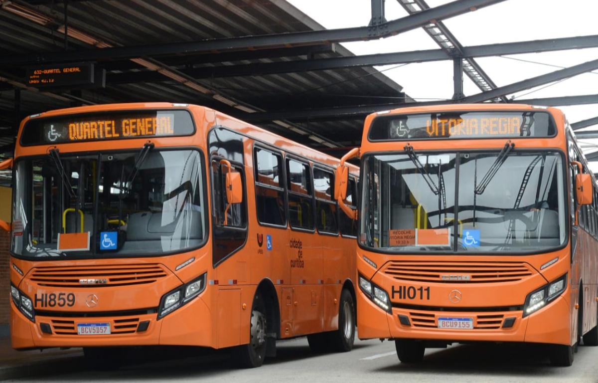 Imagem ilustrativa da notícia: Mercedes-Benz entrega 160 ônibus para Curitiba