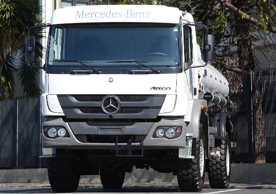 Imagem ilustrativa da notícia: Mercedes-Benz exporta 40 caminhões para Abu Dhabi