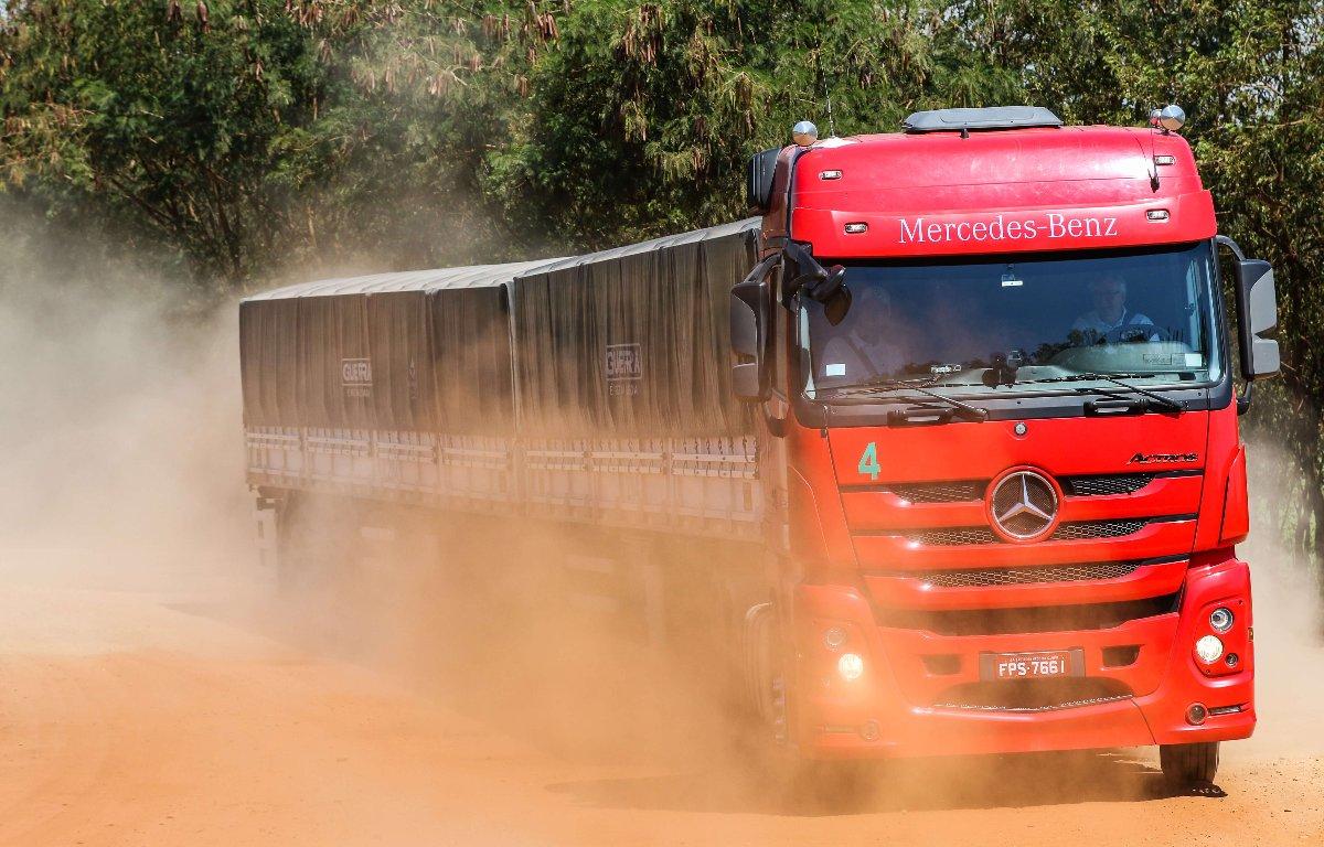 Imagem ilustrativa da notícia: Mercedes-Benz lidera vendas de caminhões no semestre