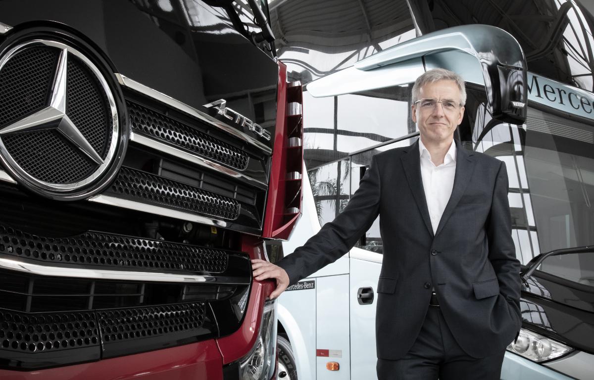 Imagem ilustrativa da notícia: Mercedes-Benz mantém investimento e contrata