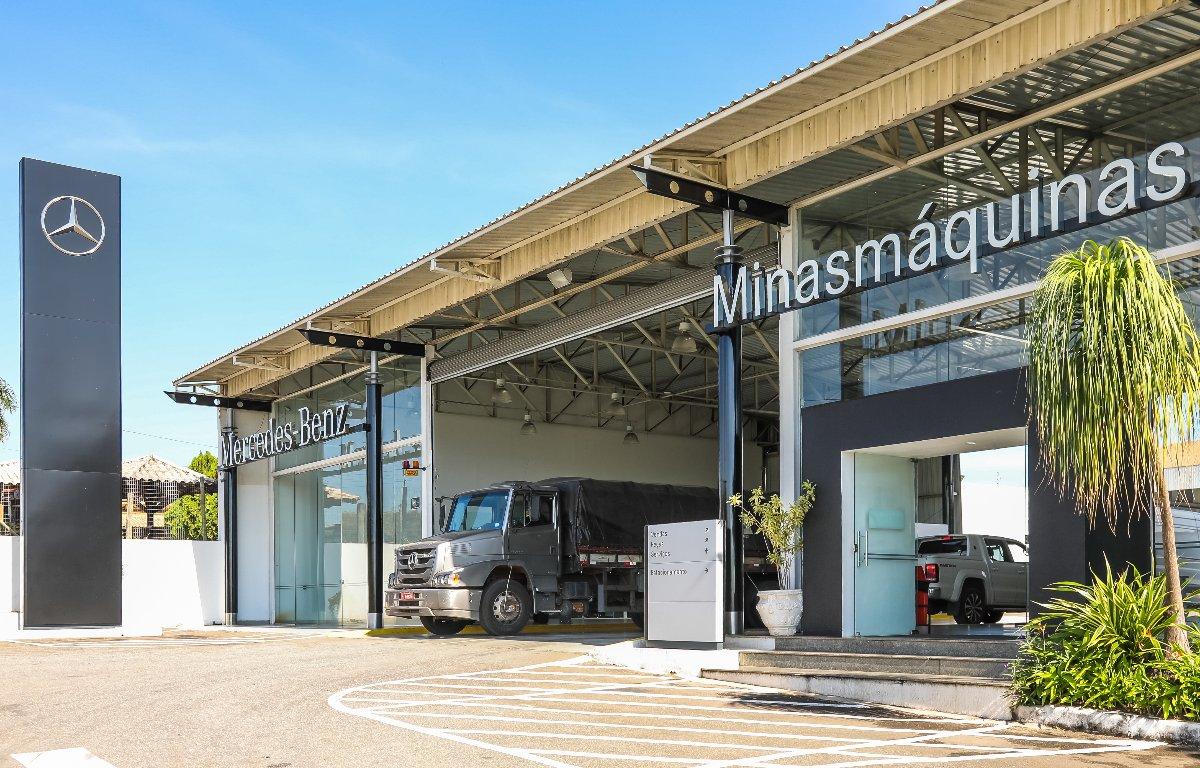 Imagem ilustrativa da notícia: Minasmáquinas recebe troféu diamante da Mercedes-Benz