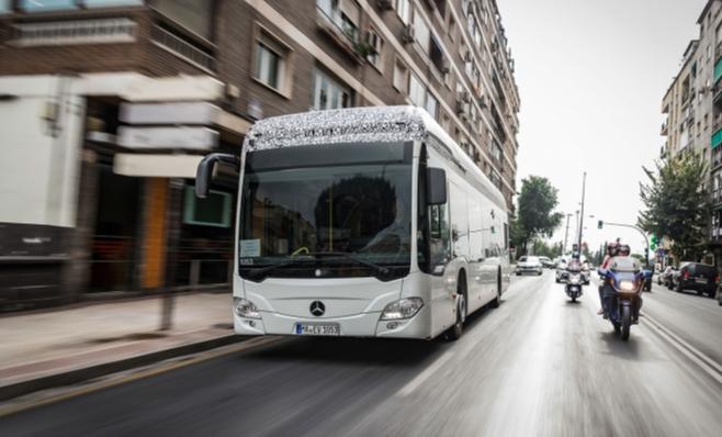 Imagem ilustrativa da notícia: Daimler vende 10% mais ônibus em 2017