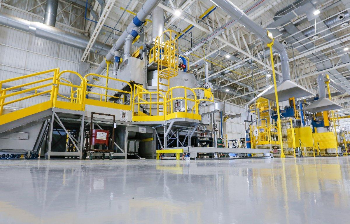Imagem ilustrativa da notícia: Fabricantes de veículos antecipam paradas das fábricas