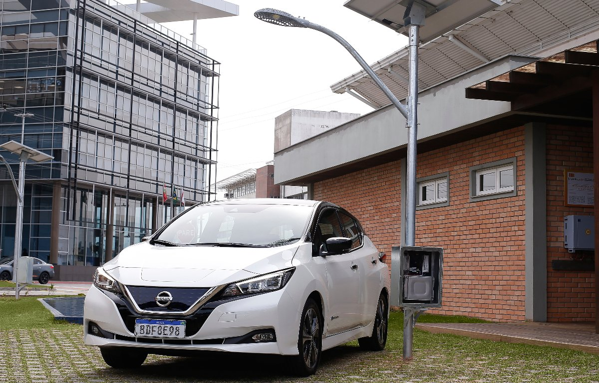 Imagem ilustrativa da notícia: Nissan e UFSC testam baterias do Leaf em postes de iluminação
