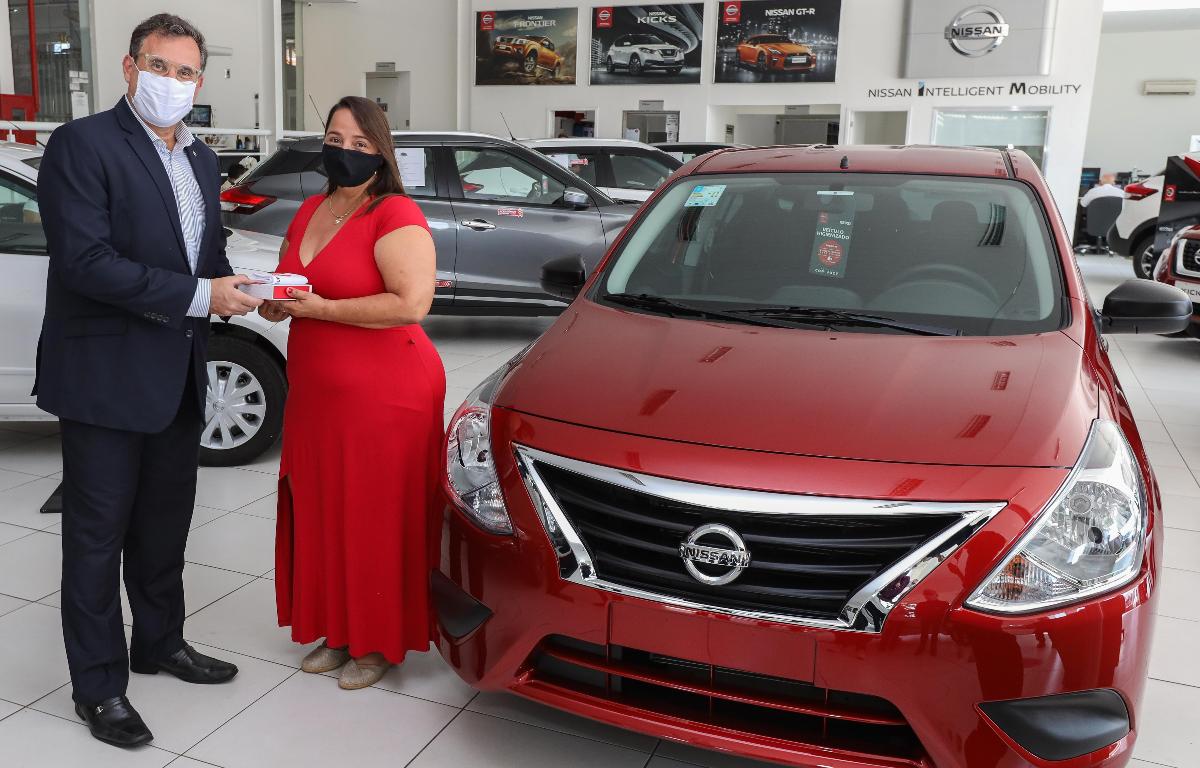 Imagem ilustrativa da notícia: Nissan faz a entrega do primeiro V-Drive vendido em loja virtual