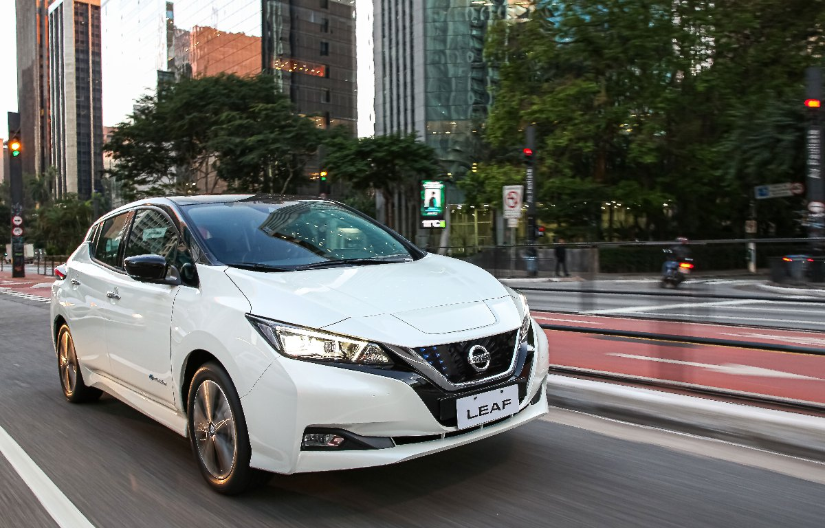 Imagem ilustrativa da notícia: Nissan inicia venda do Leaf em clima de cautela