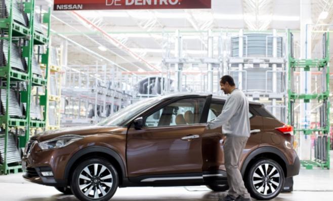Imagem ilustrativa da notícia: Nissan Kicks conversa com funcionários de Resende