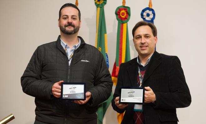 Imagem ilustrativa da notícia: Volare recebe placas do Prêmio AutoData