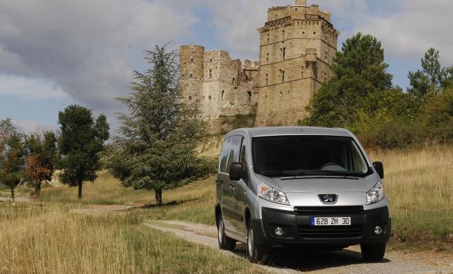 Imagem ilustrativa da notícia: Peugeot Expert chega em outubro. Por R$ 80 mil.