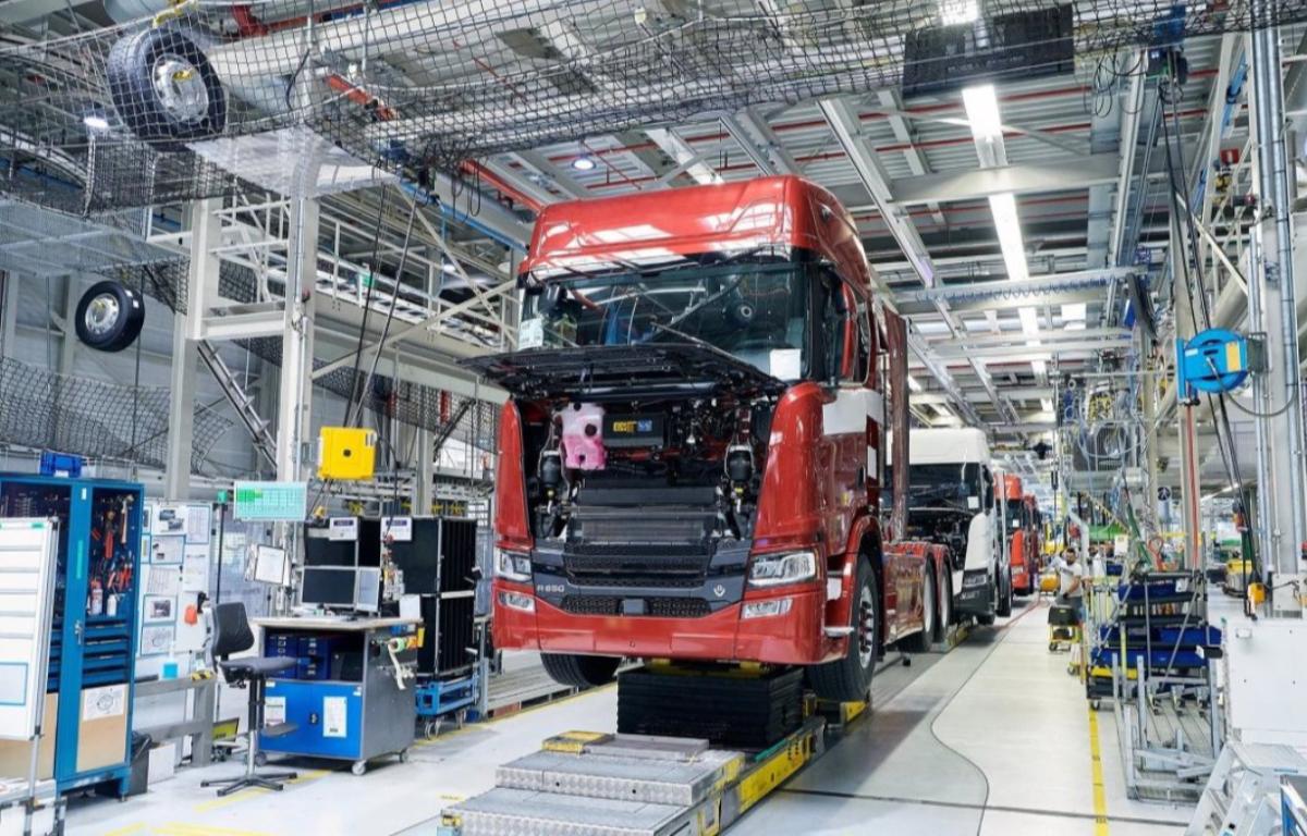 Imagem ilustrativa da notícia: Segmento de caminhões foi o que menos sentiu a crise