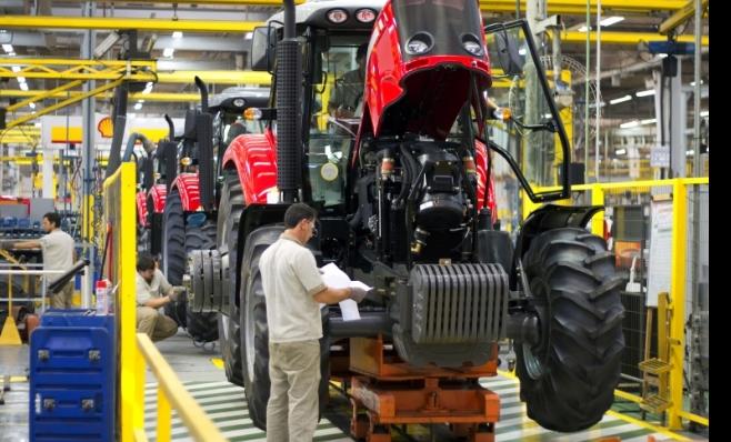 Imagem ilustrativa da notícia: Venda de máquinas agrícolas e rodoviárias cresce no ano e cai no mês