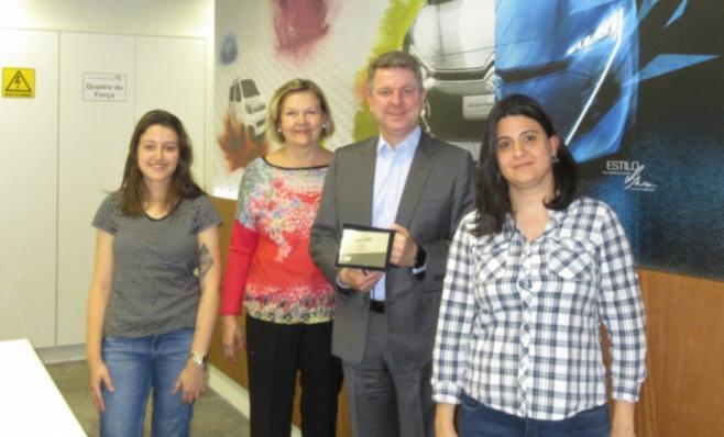 Imagem ilustrativa da notícia: Grupo PSA recebe placa do Prêmio AutoData