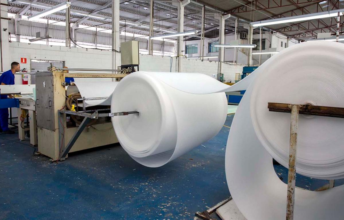 Imagem ilustrativa da notícia: Setor automotivo puxa a produção da Maximus Embalagens