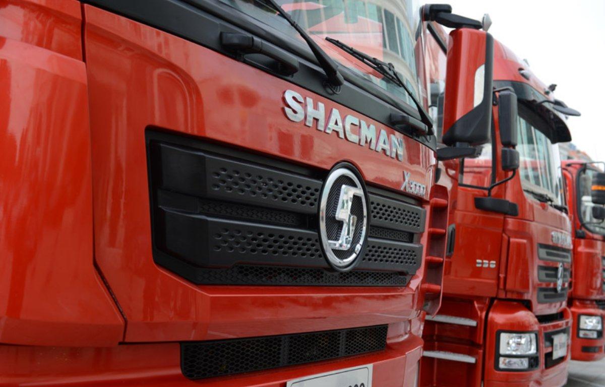 Imagem ilustrativa da notícia: Shacman ensaia retorno ao Brasil com caminhões a GNL