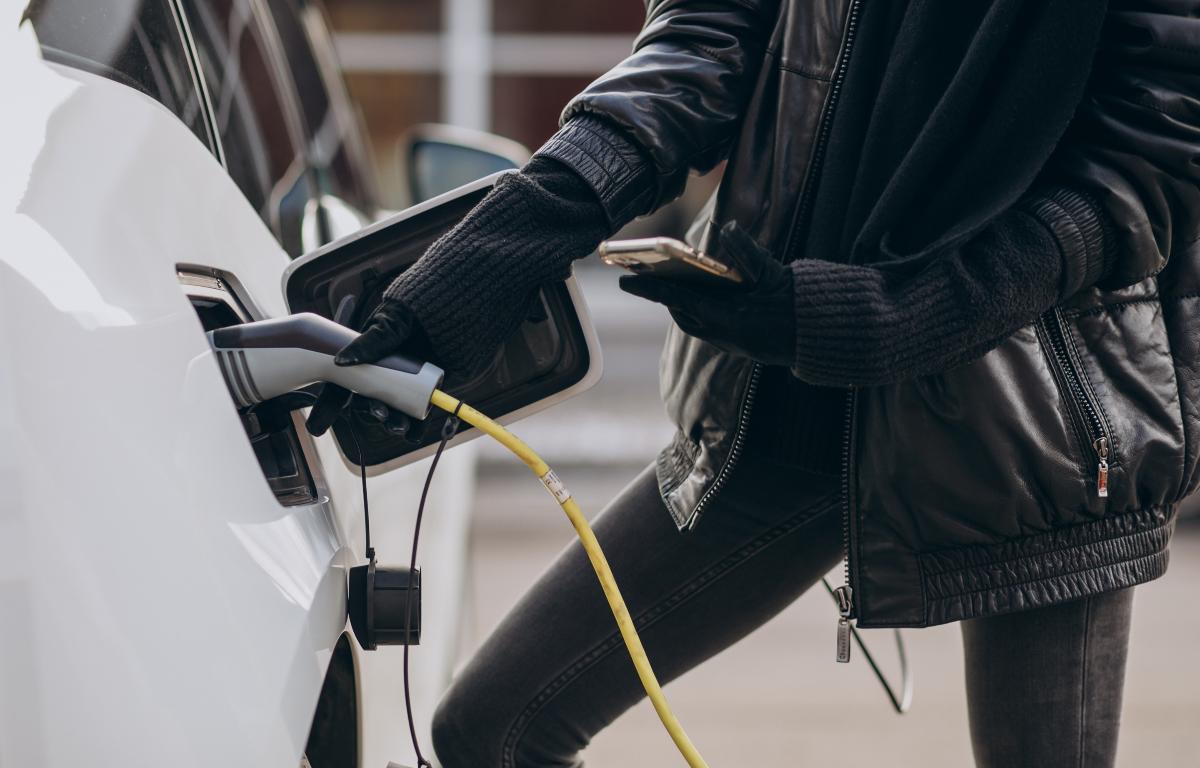 Imagem ilustrativa da notícia: Stellantis e Engie criam joint-venture para mobilidade elétrica